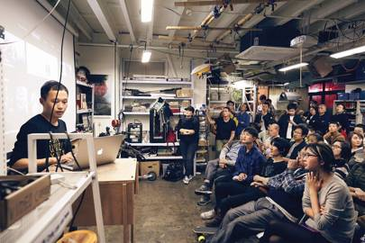 Hackers at XinCheJian hackerspace in Shanghai