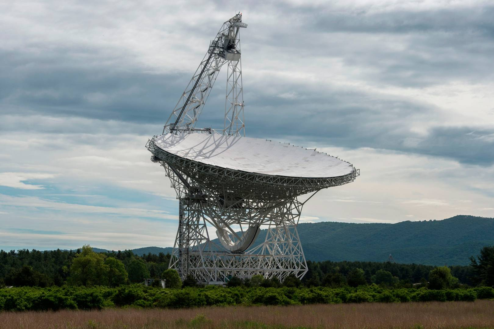 How an alien-hunting Russian billionaire is helping crack