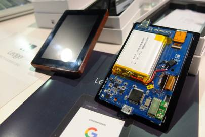 Hacker-proof security gadgets find their (tiny) niche at CES