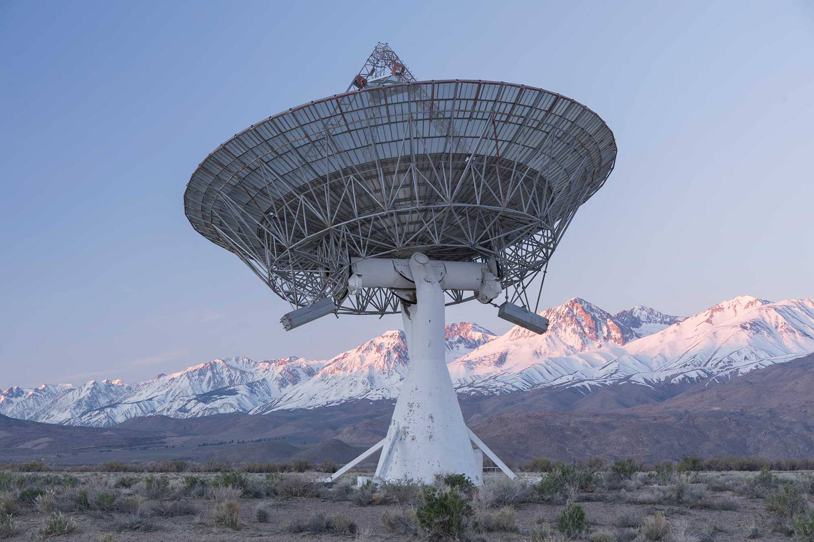 The almighty tussle over whether we should talk to aliens or not