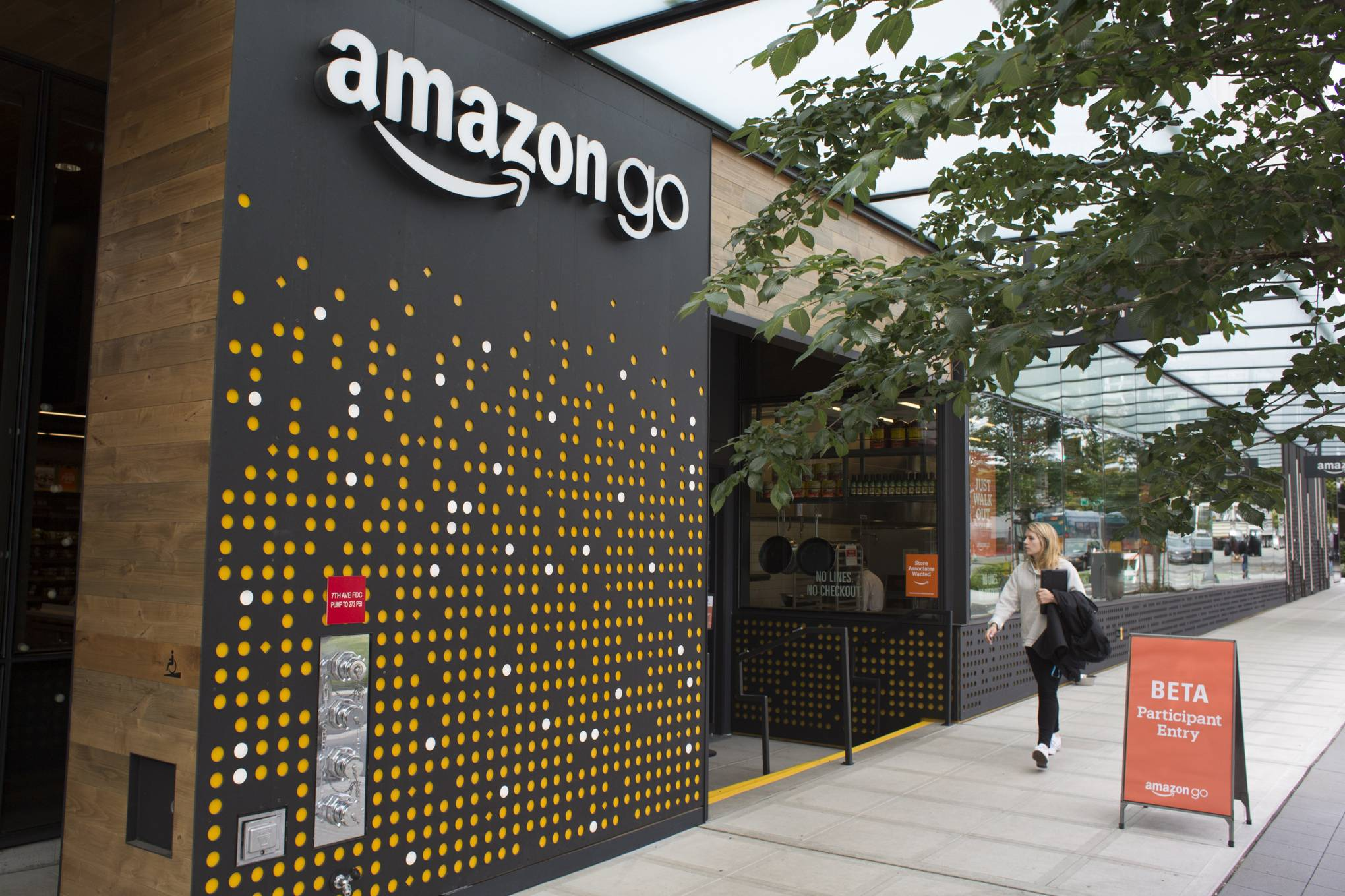 Amazon Go: the technology behind the firm's surveillance-heavy ...