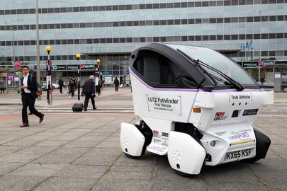 Self-driving pods unveiled ahead of first UK trials