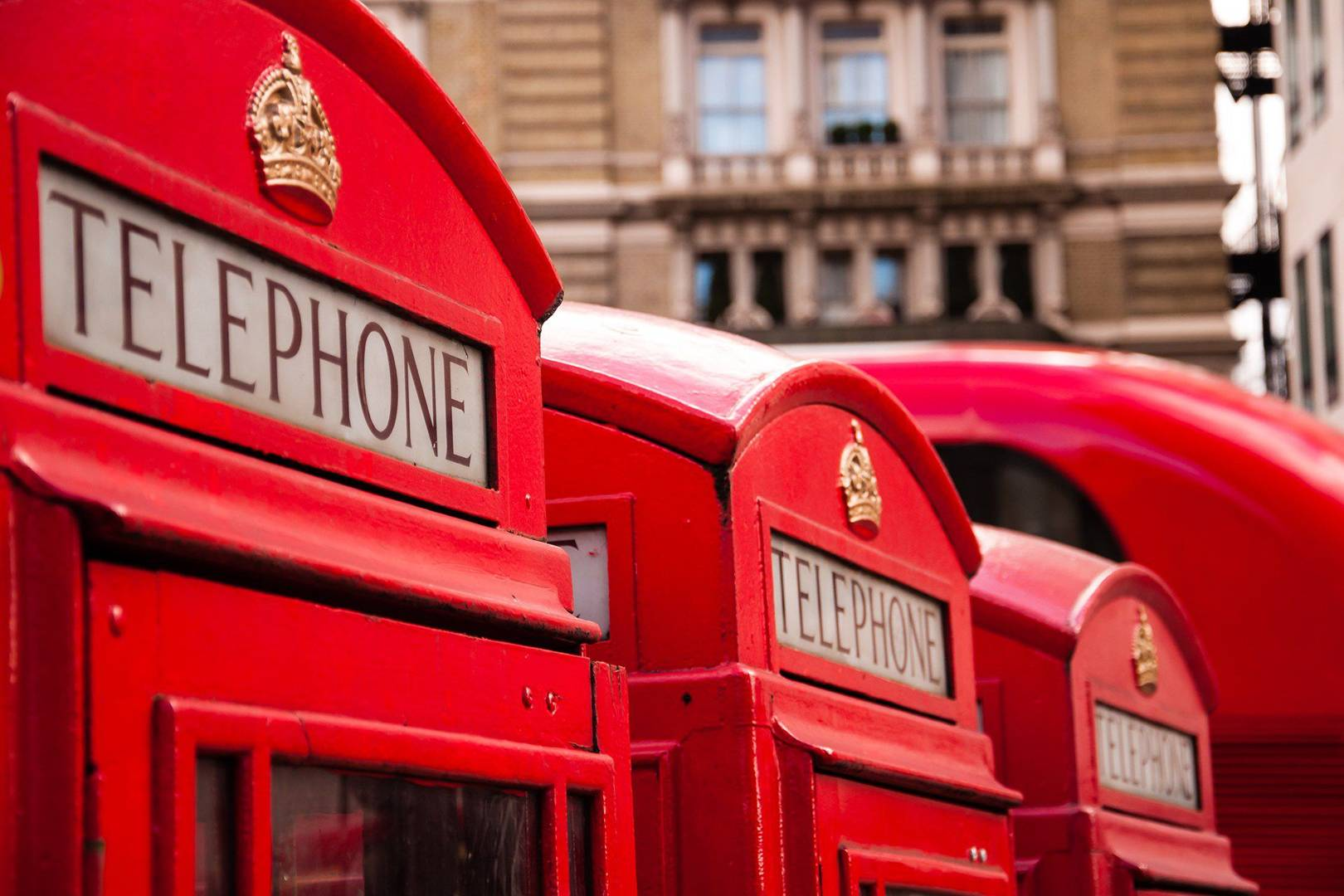 New York phone booths turned into free Wi-Fi hubs