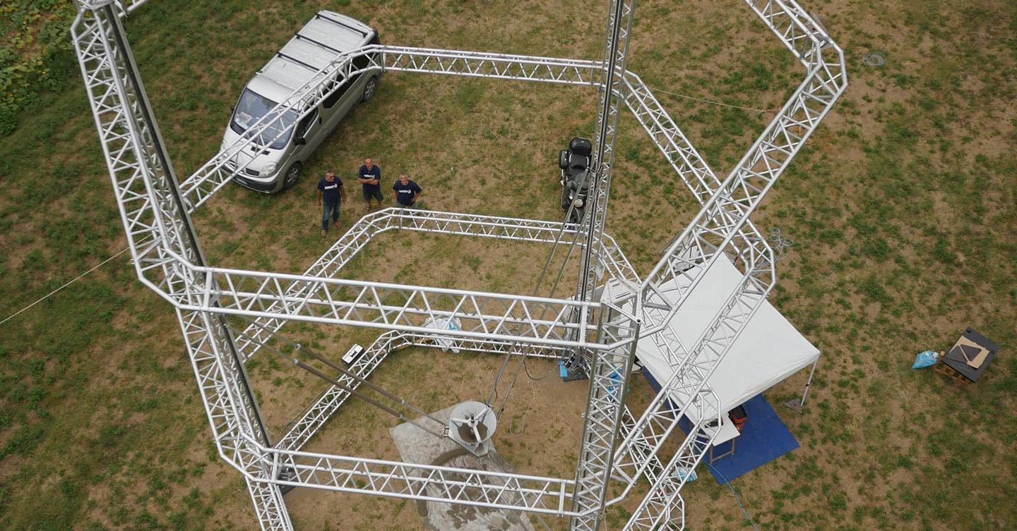 Watch this giant 3D printer build a house | WIRED UK
