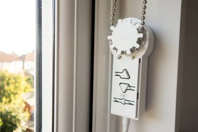 Brunt S Blind Engine Makes Cheap Smart Blinds A Reality