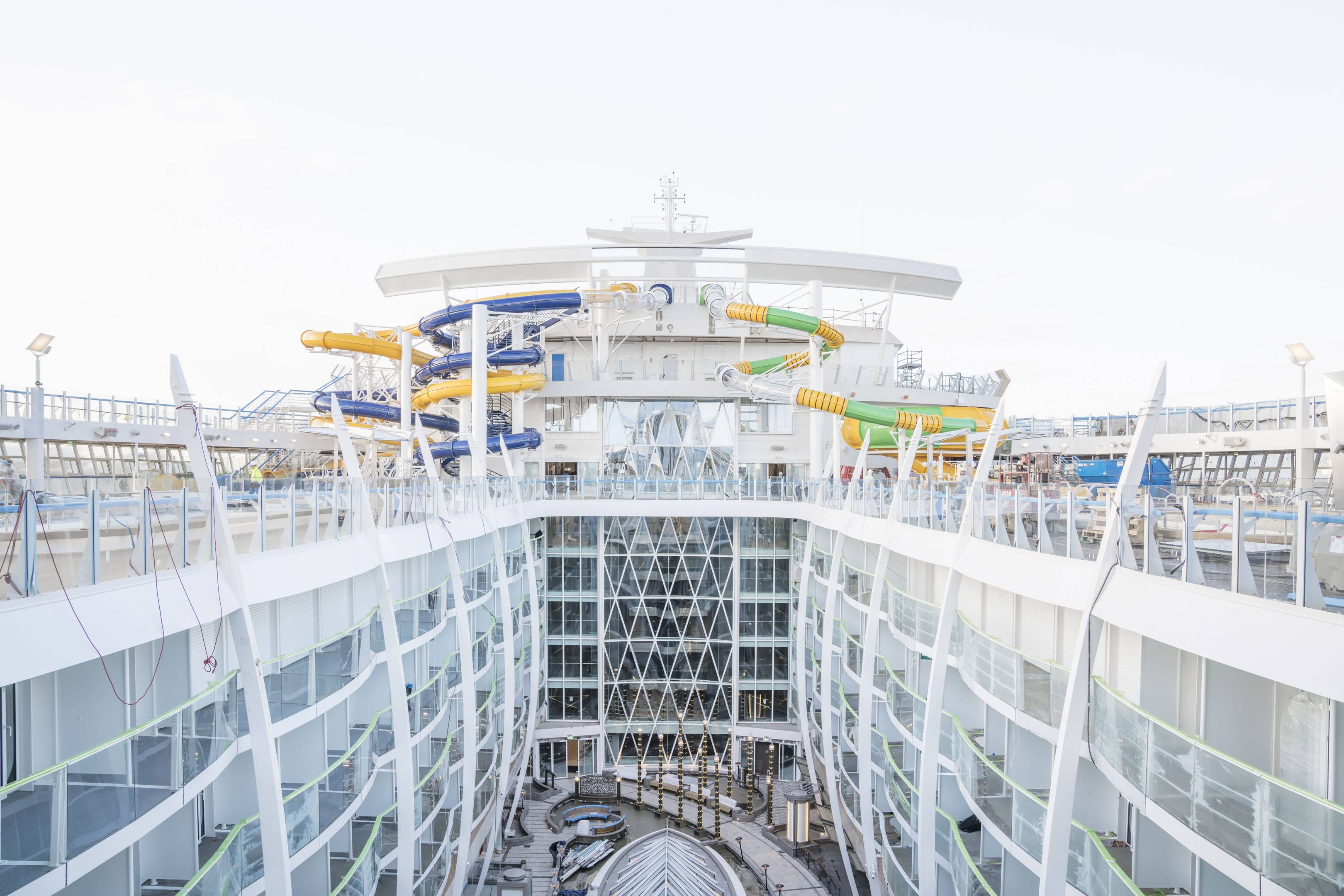 The dizzying story of Symphony of the Seas 5699a02da679